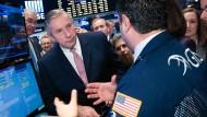 Klaus Kleinfeld auf dem Händlerparkett der New York Stock Exchange