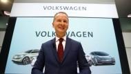 Herbert Diess im April 2018 in Wolfsburg