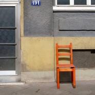 Einsam auf vier Beinen: Überall in Frankfurt sind Exemplare wie dieses an der Friedberger Landstraße zu finden.