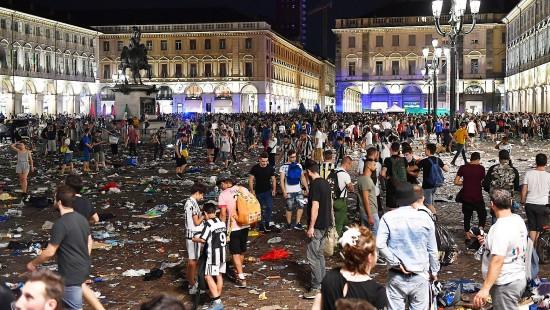 Massenpanik unter Juve-Fans