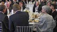 Michael Flynn und Vladimir Putin bei einer Gala in Moskau