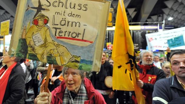 Wieder Anti-Lärm-Protest im Flughafen