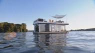 Wohnen im Luxus-Hausboot auf der Havel