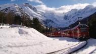 Mit dem Zug durch die Schweizer Alpen