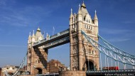 Blick auf die Londoner Tower Bridge