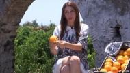 Orangenfasern werden zum Kleidungsstück