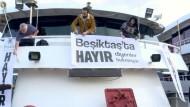 Gegner von Erdogans Verfassungsänderung stechen in See
