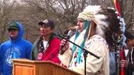 Ureinwohner protestieren gegen Trumps Pipeline-Pläne