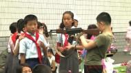 Handgranaten-Weitwurf für Nordkoreas Kinder