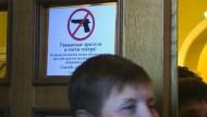 Keine Waffen im Theater von Donezk