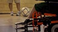 Neunjähriger im Rollstuhl auf den Spuren von Messi