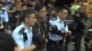 Hongkong: Protestlager geräumt – Demonstranten abgeführt