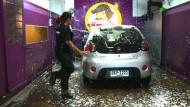 Auto-Werkstatt ködert Frauen mit exotischem Service