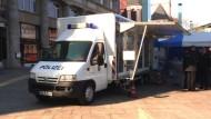 Mobile Polizeiwache auf der Kölner Domplatte