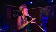 Slam Poetry gibt Frauen eine Stimme