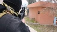 Elitetruppen schlagen IS von Uni-Campus zurück