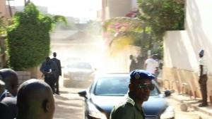 Gambias Nachbarstaaten bieten Jammeh Asyl an