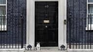 Die Tür zum Sitz des britischen Premierministers 10 Downing Street