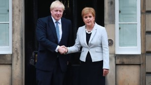 Sturgeon wirft Johnson No-Deal-Strategie vor