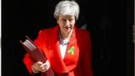 Theresa May geht ein gewagtes Spiel ein.