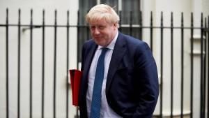 """Johnson warnt Premierministerin vor """"Klopapier-Brexit"""""""