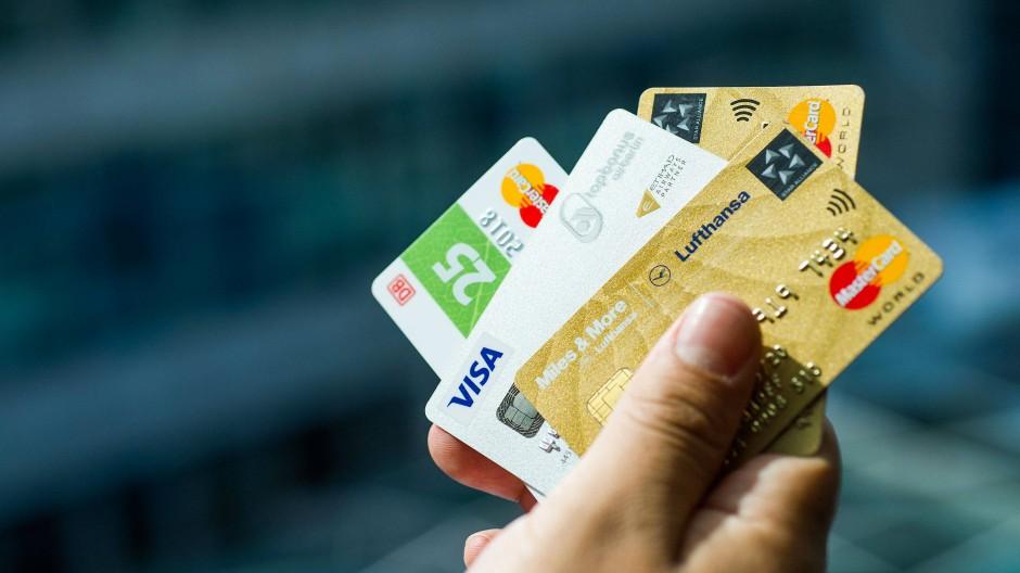 Sollte man die Bahncard auf Raten kaufen? Und was ist mit der teuren Waschmaschine – lohnen sich solche Deals?