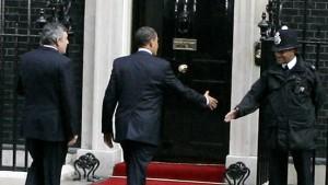 Gordon Brown dackelt