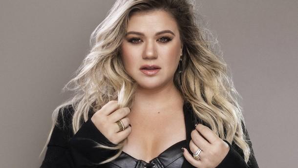Kelly Clarkson live aus den Fünfzigern