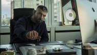 Er ist noch nicht ganz, aber schon ziemlich weit oben: Chefrapper Kalifa (Murathan Muslu)