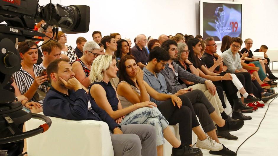 Ein Betriebsausflug des Literaturbetriebs, der so in diesem Jahr nicht mehr stattfinden kann: Autoren und Publikum im Jahr 2019.