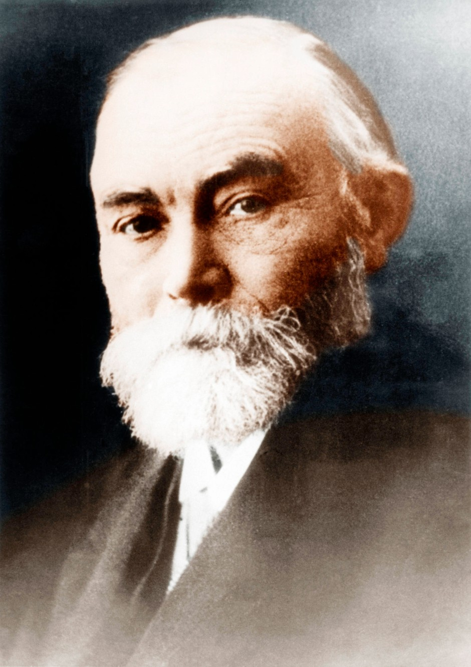 frege and russell In lieu of an abstract, here is a brief excerpt of the content: russell, frege, and the meaning of the theory of descriptions (or): did russell know his frege.
