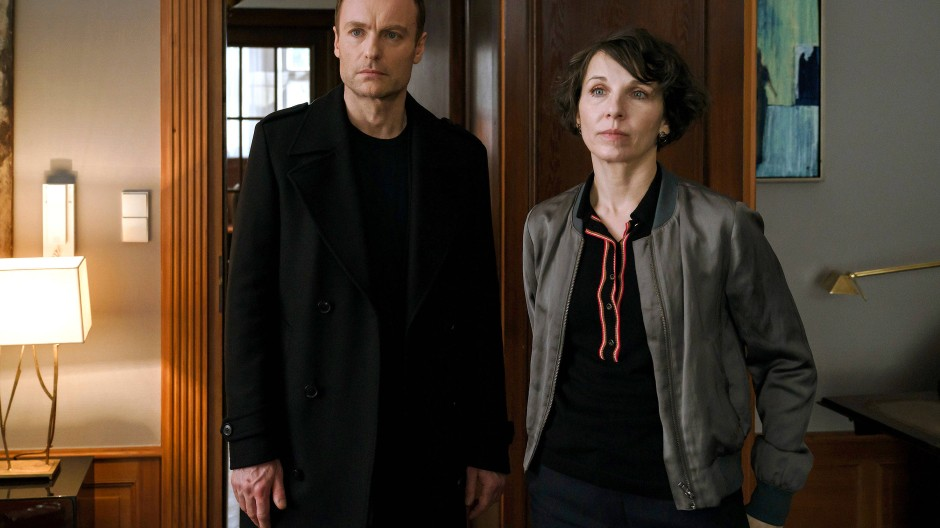 Beschäftigt mit Altlasten: Nina Rubin (Meret Becker) und Robert Karow (Mark Waschke) ermitteln in der komplizierten Familiengeschichte von Klaus Keller.