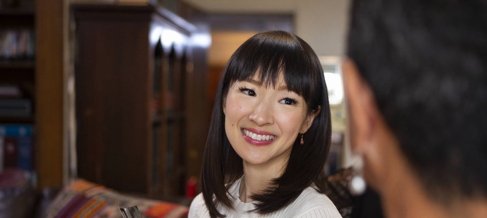 kritik zur netflix serie aufr umen mit marie kondo. Black Bedroom Furniture Sets. Home Design Ideas