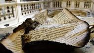 In der Weimarer Anna Amalia Bibliothek ein paar Tage nach dem Brand vom 2. September 2004