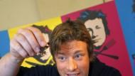 Pfeffer und Salz - Gott erhalt's: Jamie Oliver beim kräftigen Nachwürzen