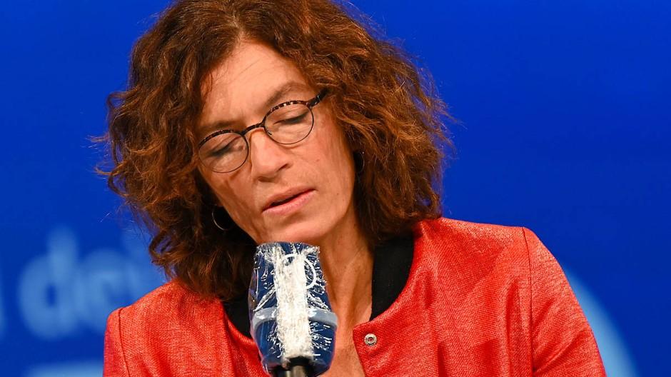 Anne Weber bei einer Lesung auf der digitalen Frankfurter Buchmesse 2020.