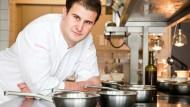 Drei Sterne vom Guide Michelin: Der Saarbrücker Klaus Erfort präsentierte beim Rheingau-Gourmet-Festival Langoustine, Steinbutt und Schweineschwanz