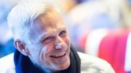 Einen Einundsechzigjähriger, der die Deutsche Akademie für Sprache und Dichtung glücklich um Jahrzehnte verjüngt: Rainald Goetz