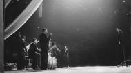 Jazzliebhaber schwören nach wie vor auf Mono: Miles Davis und Band bei einem Konzert um 1970