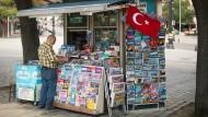 Kurz nach dem Putschversuch: Zeitungskiosk in Istanbul am 17. Juli 2016