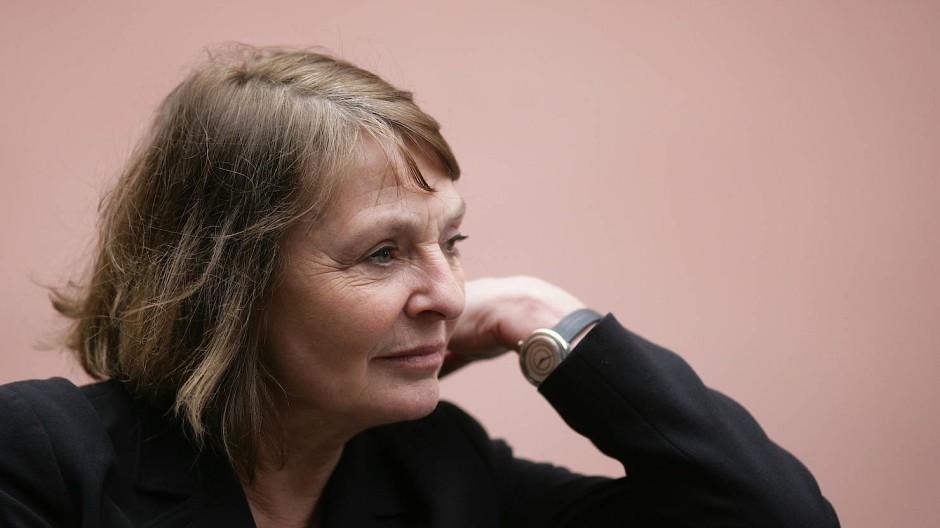 """""""Streitbar, klug und künstlerisch anspruchsvoll"""" nannte Siv Bublitz, Verlegerische Geschäftsführerin bei S. Fischer, noch ihren jüngsten Roman: Monika Maron, aufgenommen im März 2009 in Mainz."""