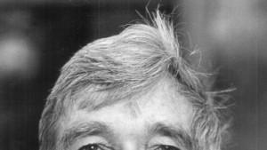 Soll John Updike den Nobelpreis bekommen?