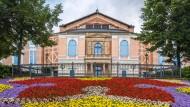 Das Richard-Wagner-Festspielhaus in Bayreuth könnte bald strengere Kontrollen einführen.