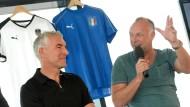 Herren vor Hemden: Frank Buschmann und Mirko Slomka (l.) kümmern sich bei Sat.1 um die Europameisterschaft.