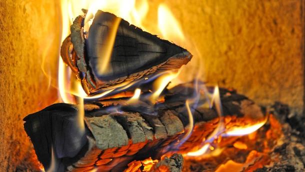 Sicherheit beim Feuer im Kamin