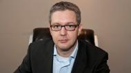 Die NSA-Affäre zieht weitere Kreise. Der Datenexperte Markus Morgenroth erzählt, wie Jedermann in den Fokus von Datenhäufung und Profilbildung gerät