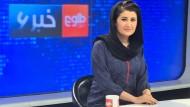 Jeden Abend um 22 Uhr auf Sendung: Anchorwoman Sadaf präsentiert bei Tolo News die Nachrichten des Tages.