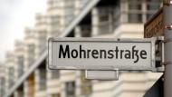 Wer darf sich hier beleidigt fühlen? Die Mohrenstraße in der Mitte Berlins steht seit Jahren im Zentrum der Umbenennungsdebatte