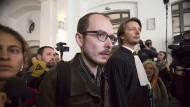 Der angeklagte Antoine Deltour nach der Urteilsverkündung