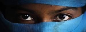 Diese siebzehnjährige Angehörige der Rohingya wurde als eine von mehreren Opfern von Vergewaltigungen in einem Flüchtlingslager in Bangladesch porträtiert. Das Milität von Myanmar nutzt laut zahlreicher Berichte sexuelle Gewalt, um die Rohingya zu vertreiben.